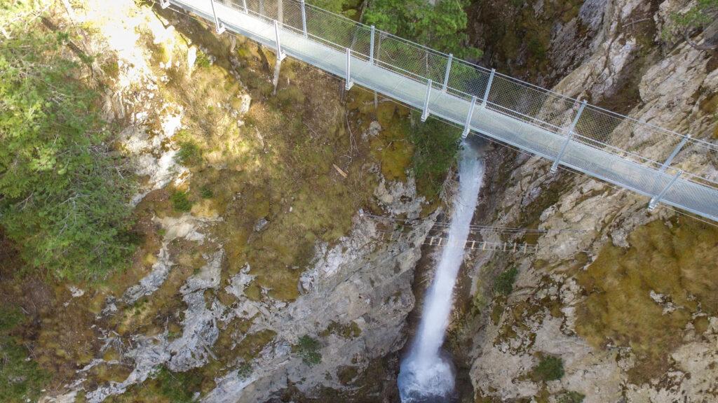 Passerelle et cascade Valfrejus